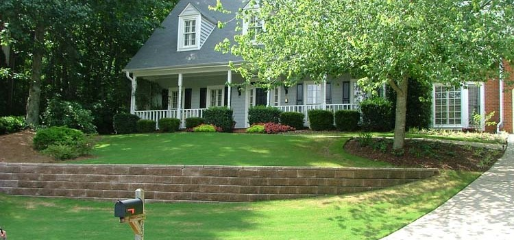 lawn mowing and lawn maintenance